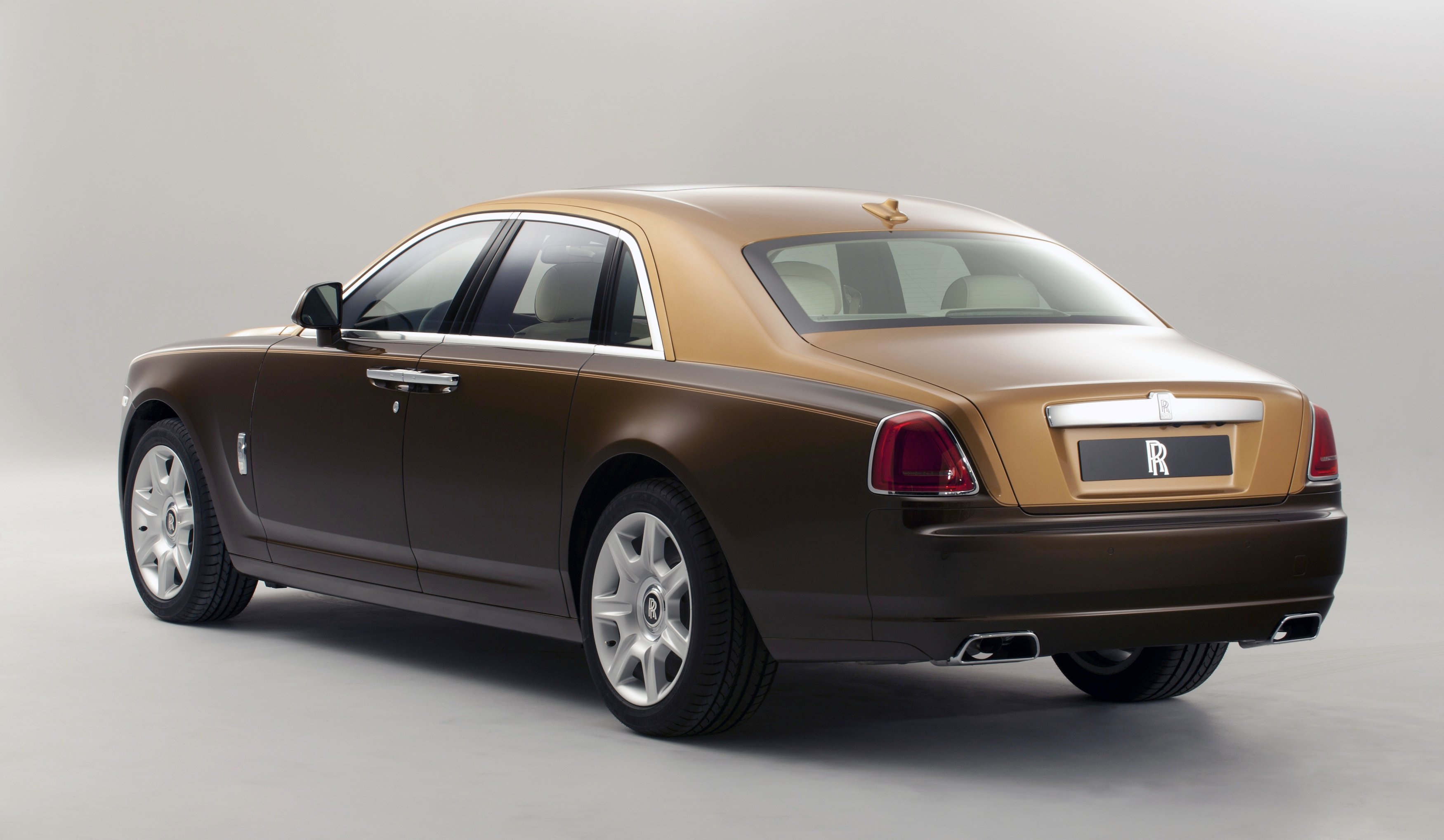 rolls royce recall for ghost and million dollar phantom photos caradvice. Black Bedroom Furniture Sets. Home Design Ideas
