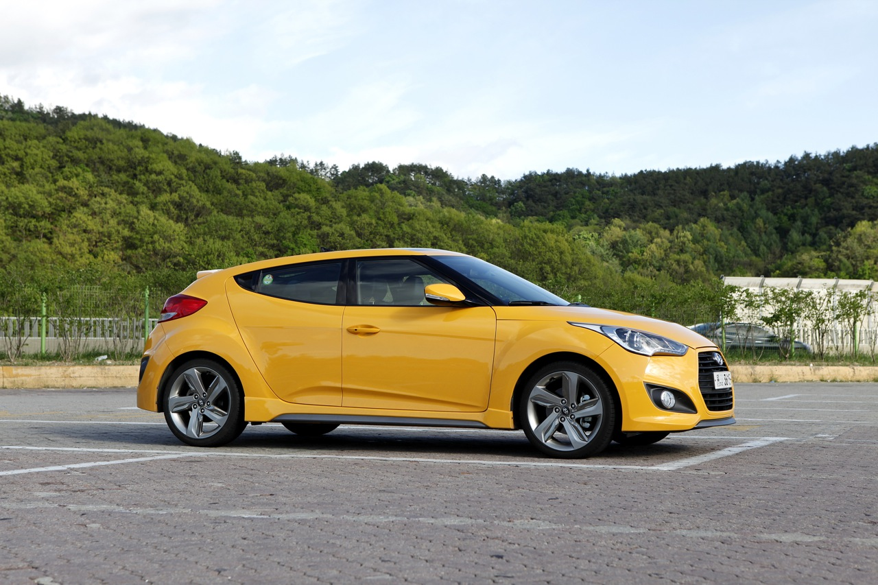 hyundai veloster turbo review caradvice. Black Bedroom Furniture Sets. Home Design Ideas