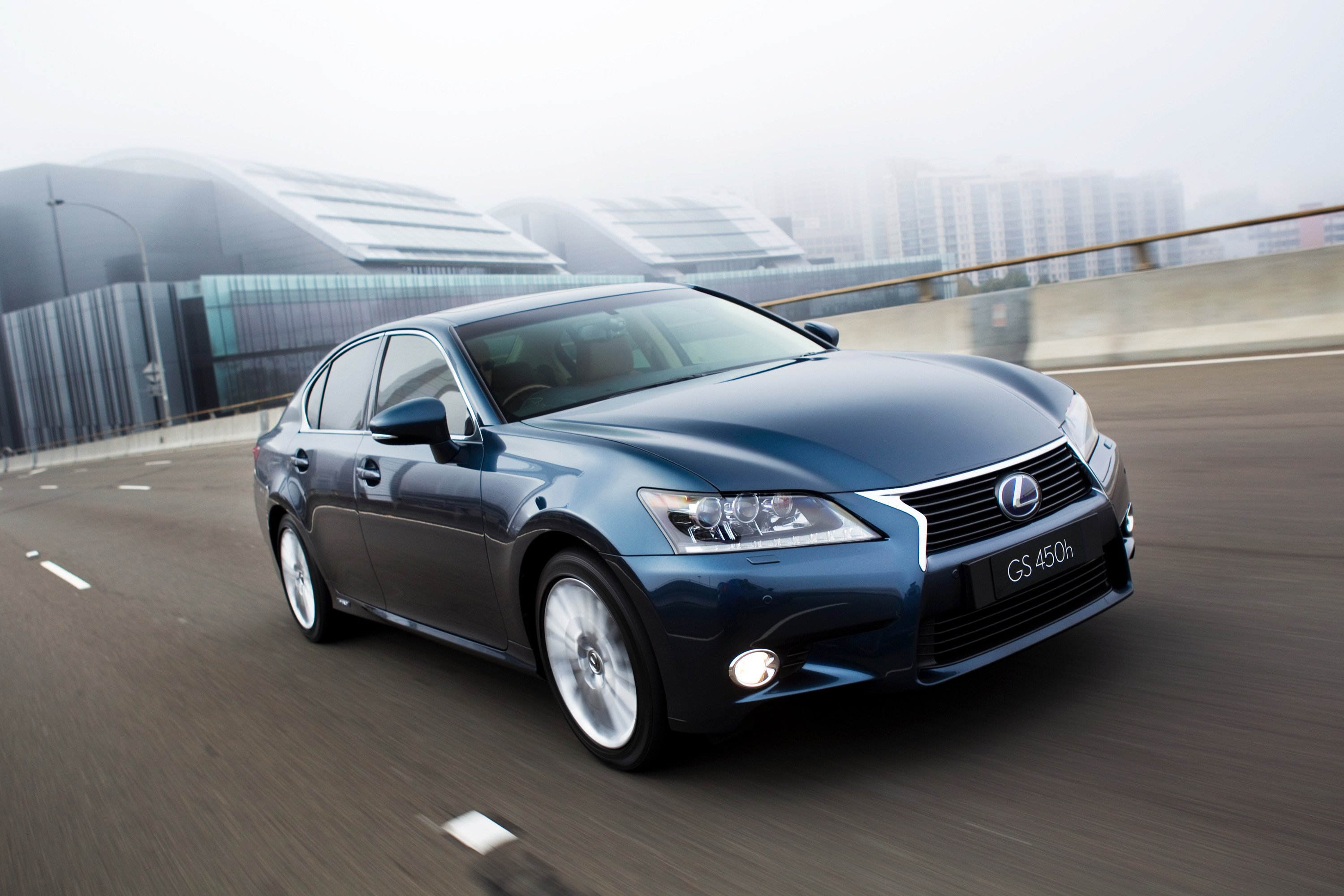 Lexus GS450h Review - Photos