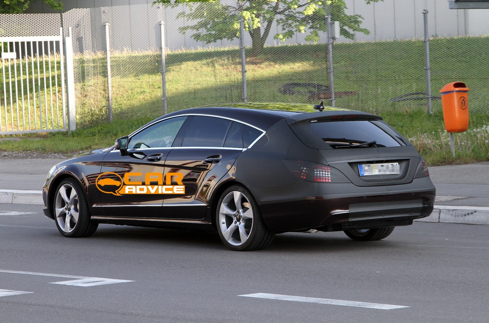 mercedes benz cls shooting brake spy shots  caradvice