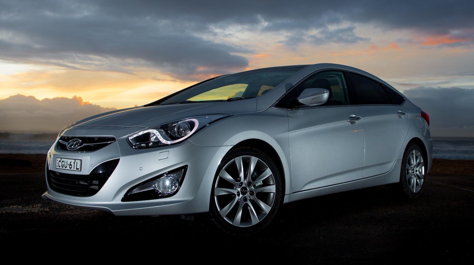 2016 Hyundai Santa Fe >> 2012 Hyundai i40 sedan expands mid-size line-up - photos ...
