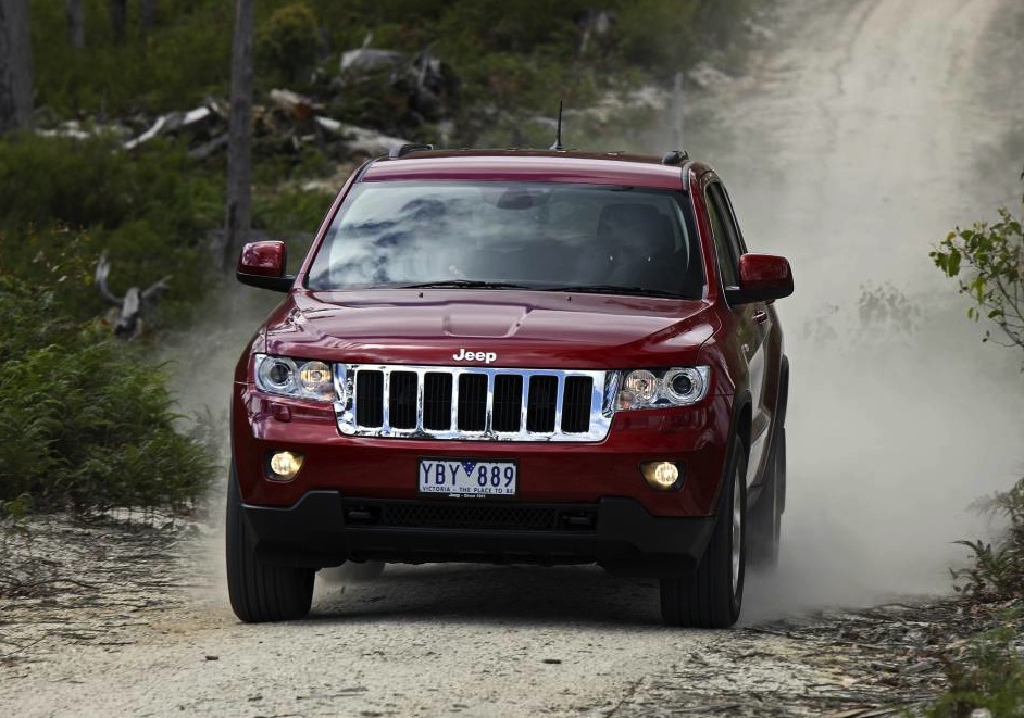 jeep grand cherokee passes another rollover test photos caradvice. Black Bedroom Furniture Sets. Home Design Ideas