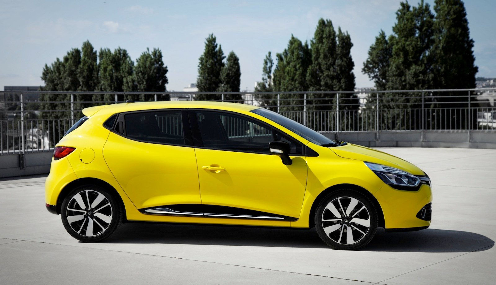 renault clio french city car here in mid 2013 photos caradvice