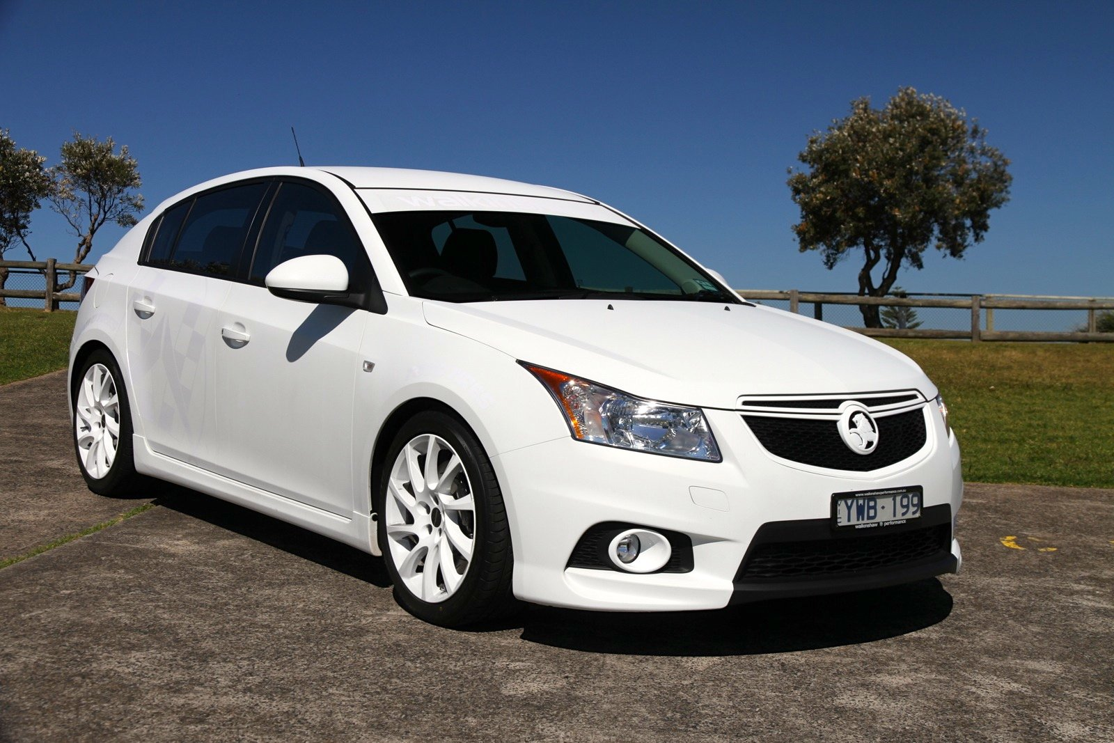 2012 holden cruze sedan review autos post autos post. Black Bedroom Furniture Sets. Home Design Ideas