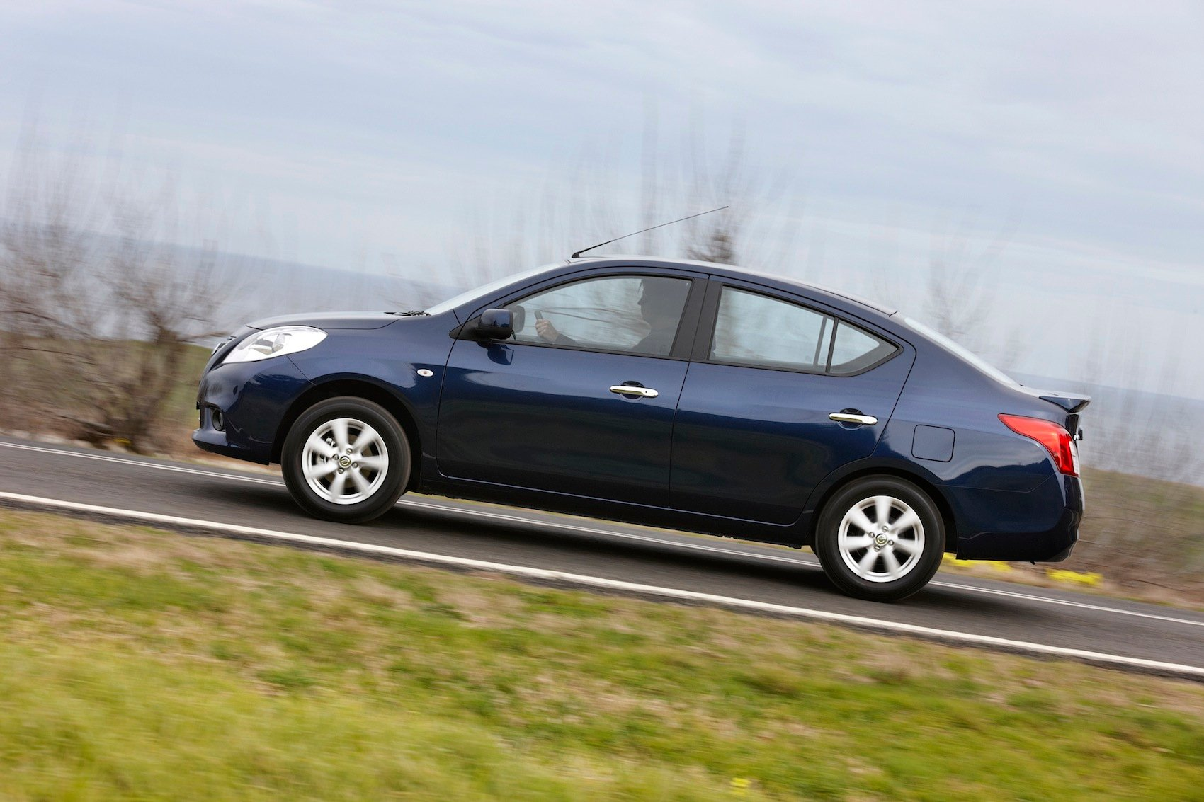 Nissan Almera Review - photos | CarAdvice