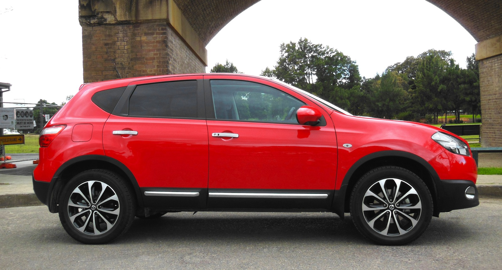 New Ford Ranger >> Nissan Dualis Review - photos | CarAdvice