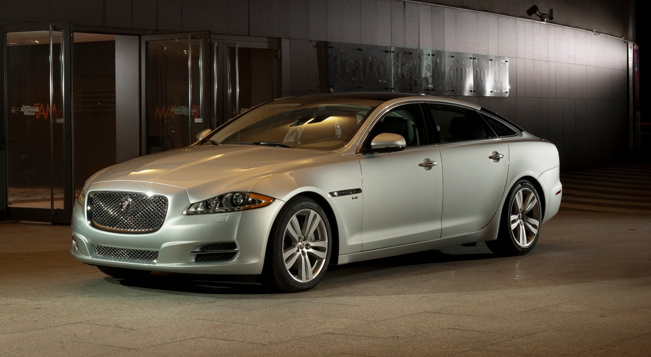 2013 jaguar xj review caradvice. Black Bedroom Furniture Sets. Home Design Ideas