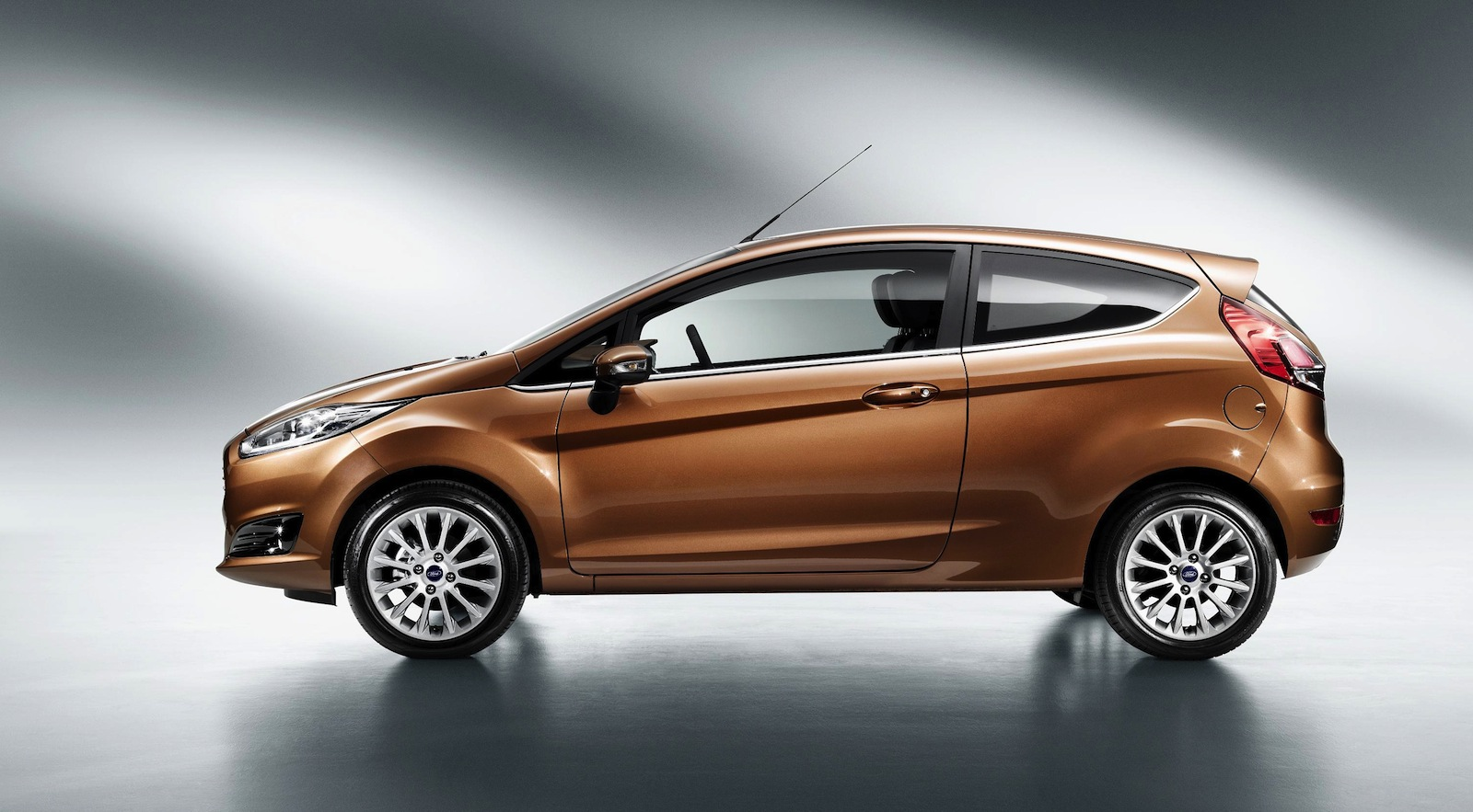 2013 ford fiesta updated city car revealed photos. Black Bedroom Furniture Sets. Home Design Ideas