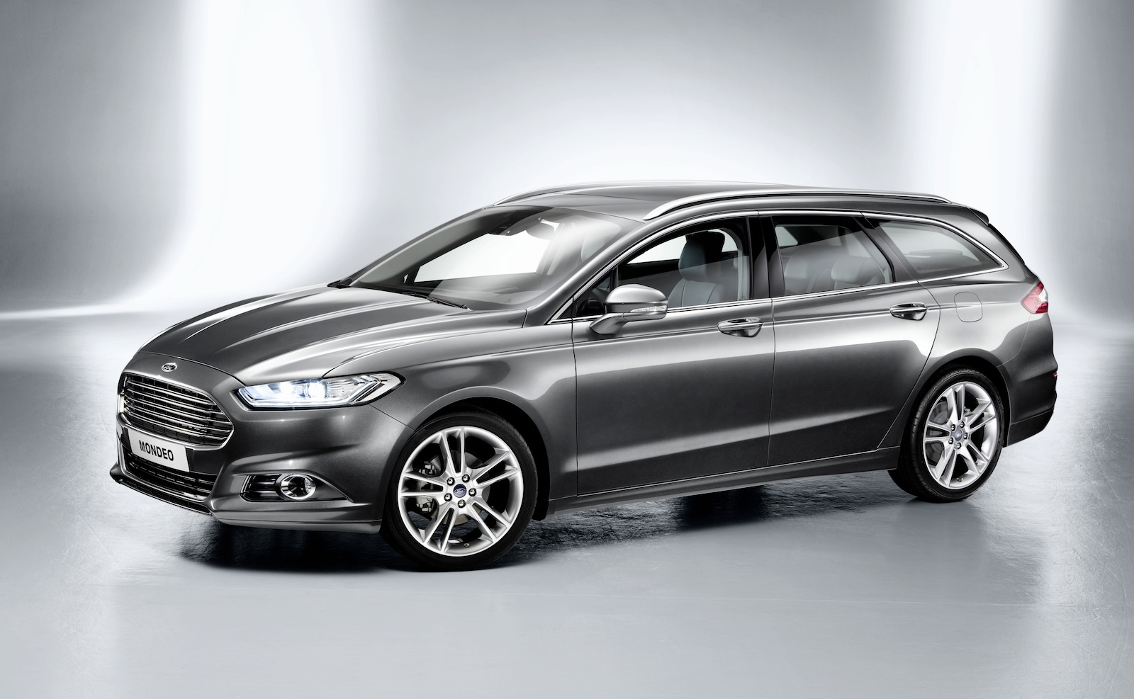2013 ford mondeo wagon and hybrid revealed photos caradvice. Black Bedroom Furniture Sets. Home Design Ideas