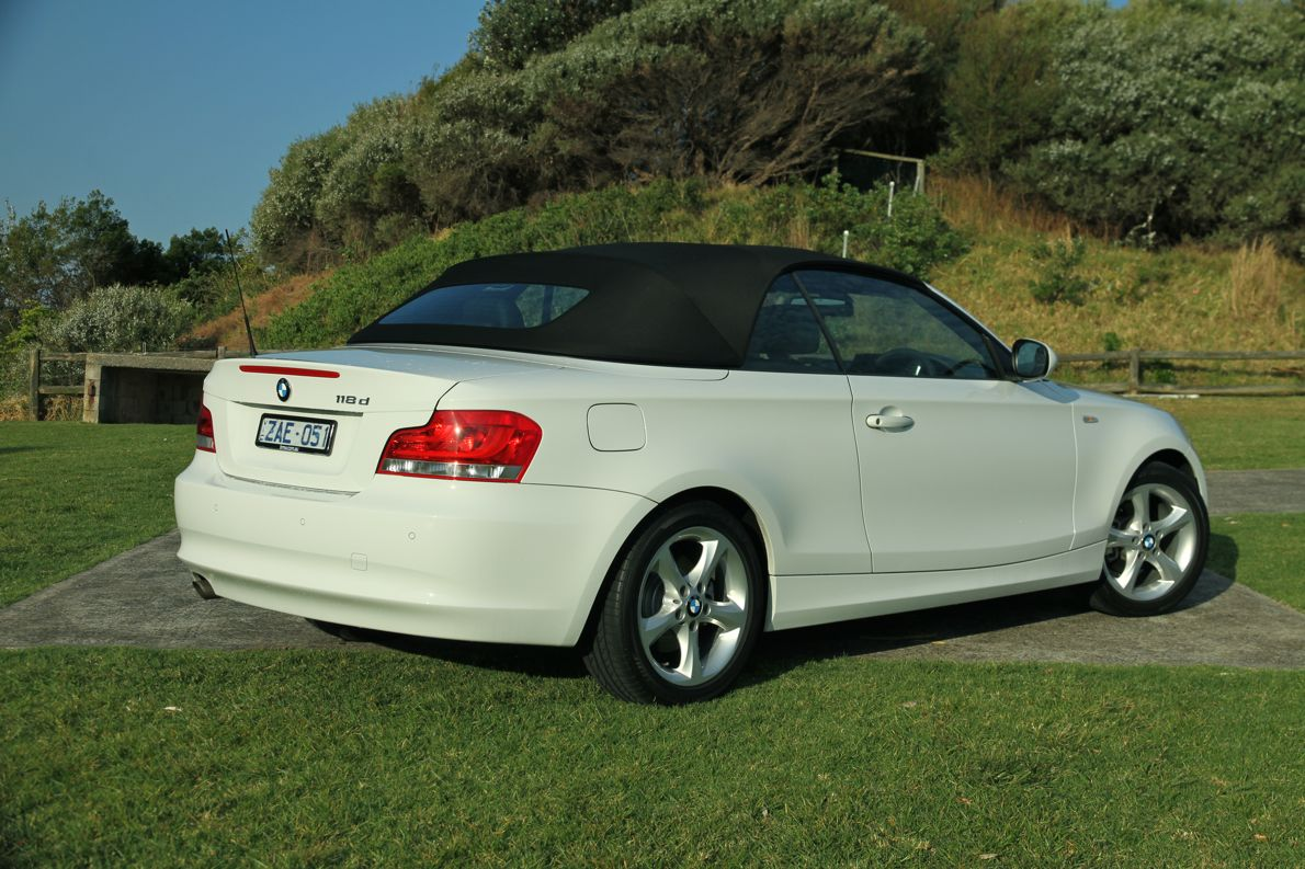bmw 1 series convertible review caradvice. Black Bedroom Furniture Sets. Home Design Ideas