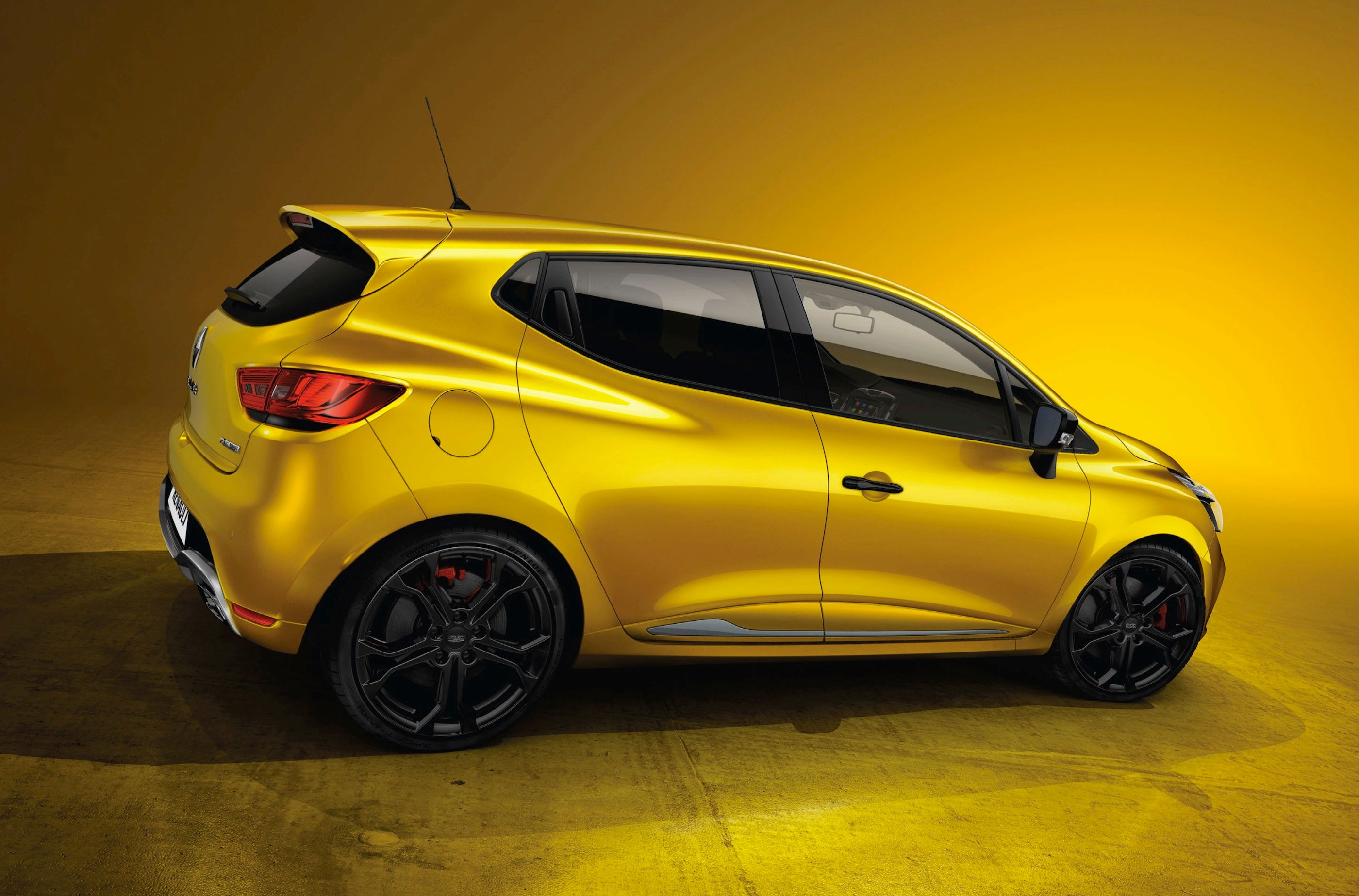 Renaultsport Clio 200 Turbo Hot Hatch Unveiled Photos