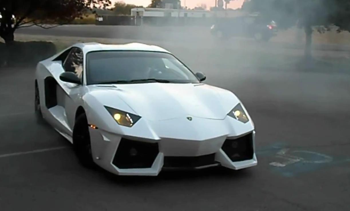 Holden Monaro converted into Lamborghini Aventador replica ...