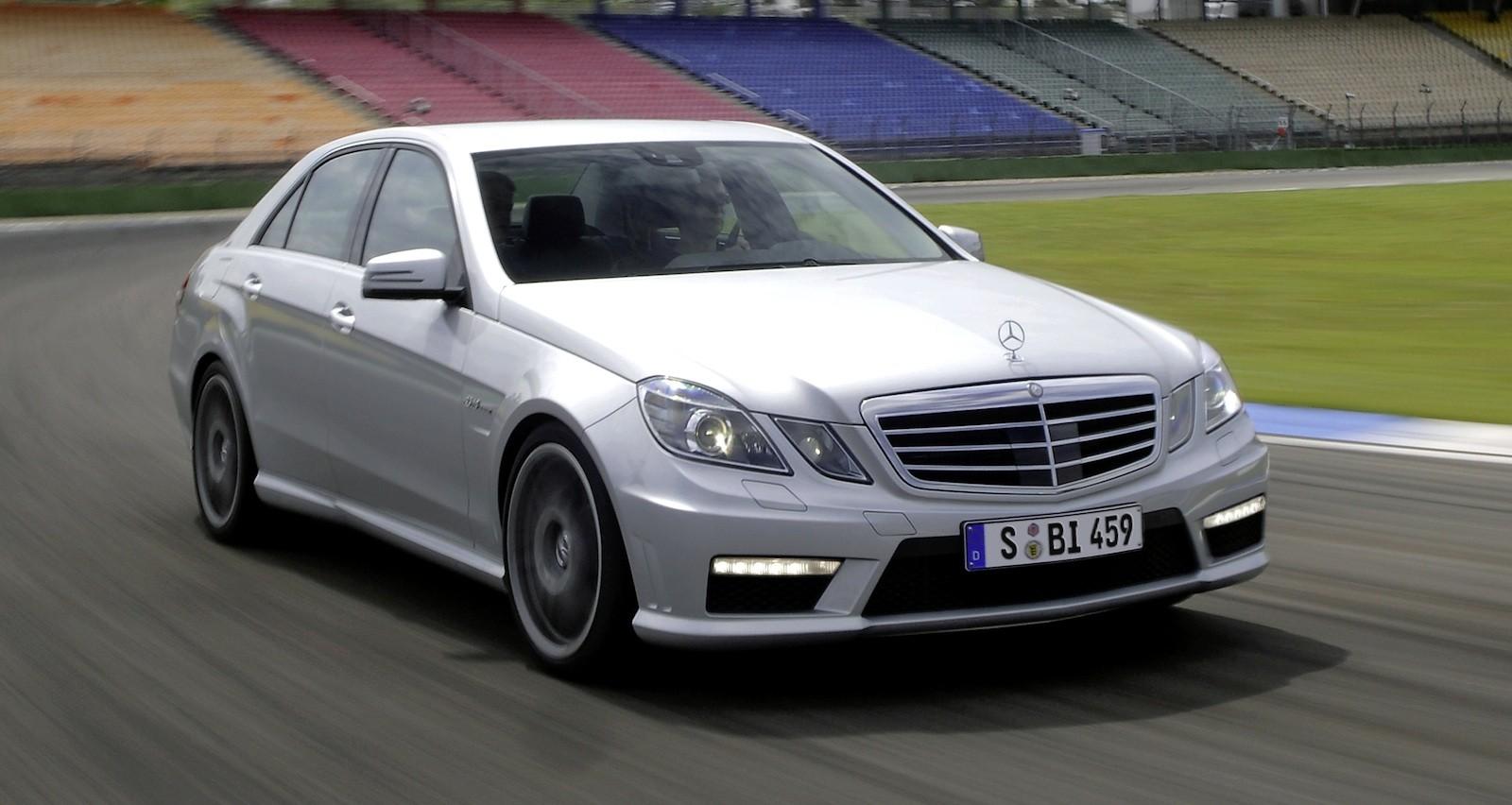 Mercedes benz amg racers to enter v8 supercars photos 1 for New mercedes benz supercar