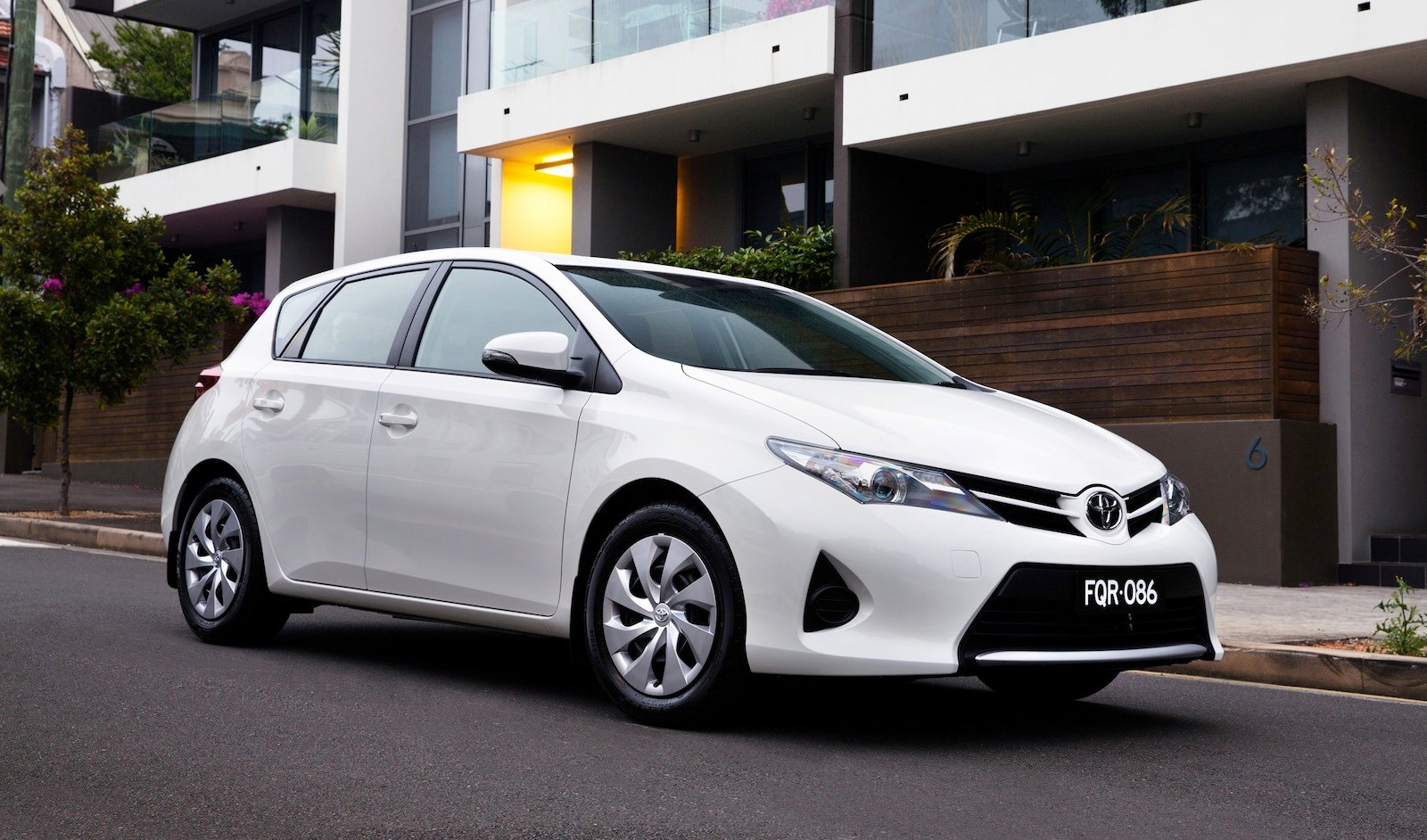 2013 Toyota Corolla pricing and specifications - photos | CarAdvice