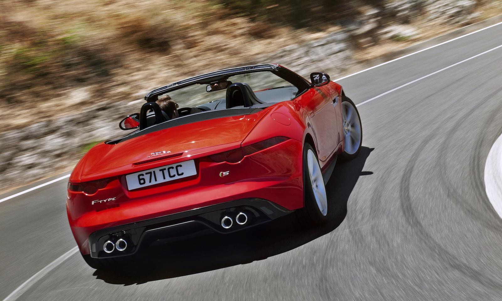 Jaguar F Type V8, V6 In Exhaust Sound Off