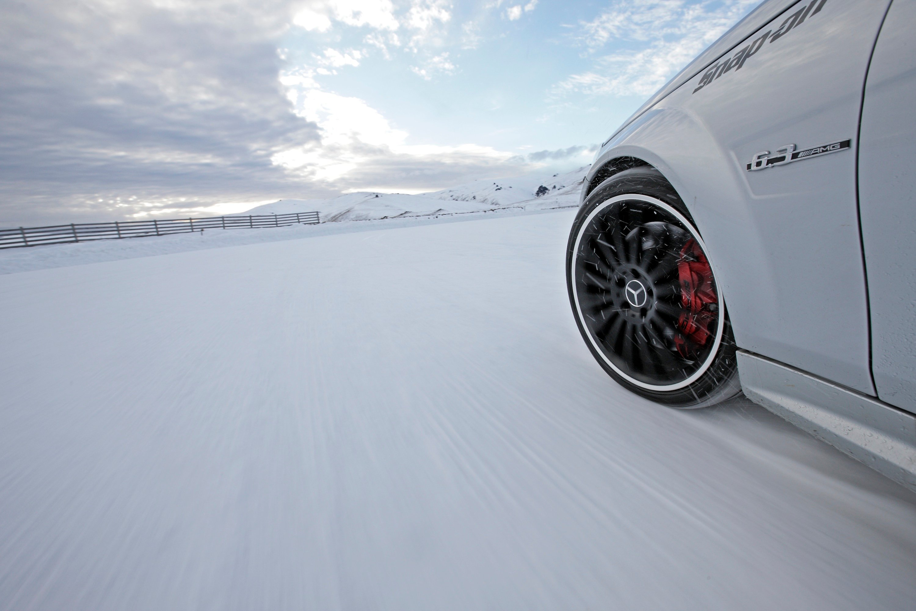 mercedes-benz amg snow challenge  fire and ice