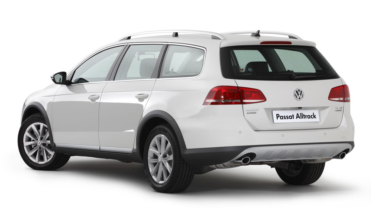Volkswagen Passat Alltrack launches with sub- 50k price tag - Photos 3b1f7a950d2
