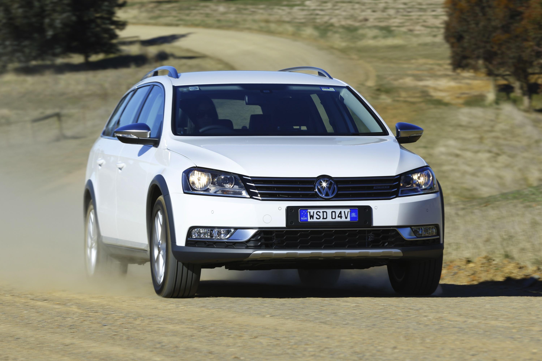 Volkswagen Passat Alltrack Review - Photos