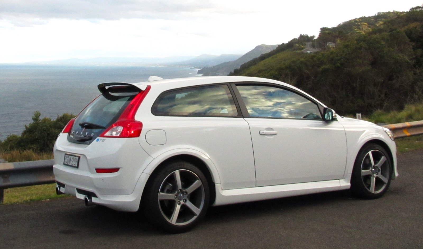 volvo c30 t5 r design review photos caradvice. Black Bedroom Furniture Sets. Home Design Ideas