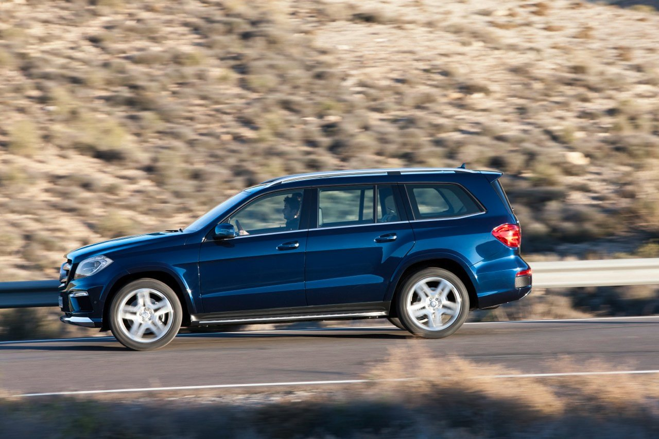 2013 mercedes benz gl350 review caradvice for Mercedes benz gl 2013 price