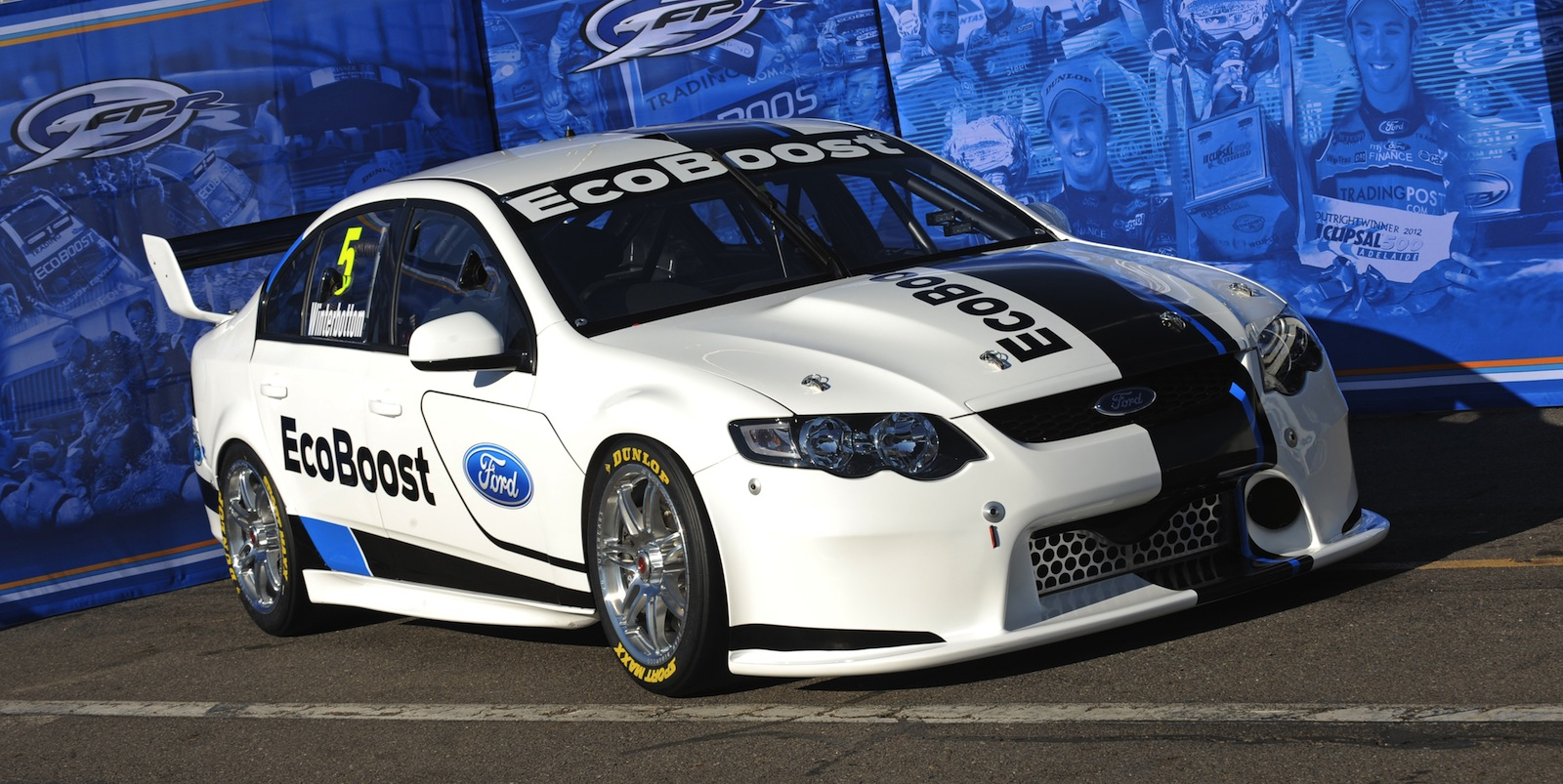 Ford Racing shows off new global motorsport livery ...