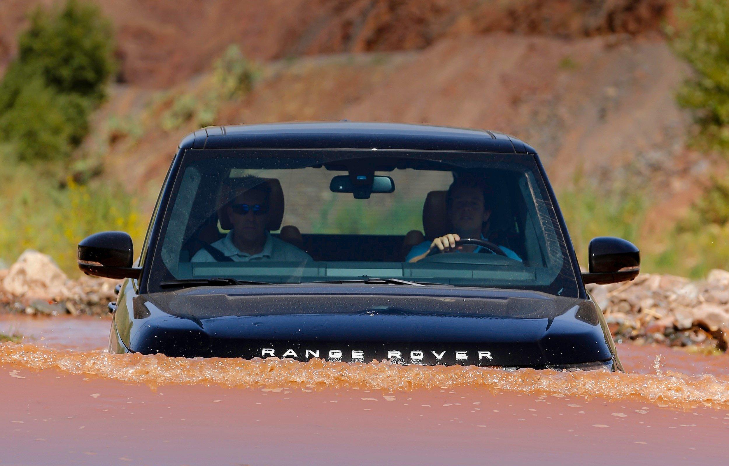 Jaguar F Type S >> 2013 Range Rover Review | CarAdvice