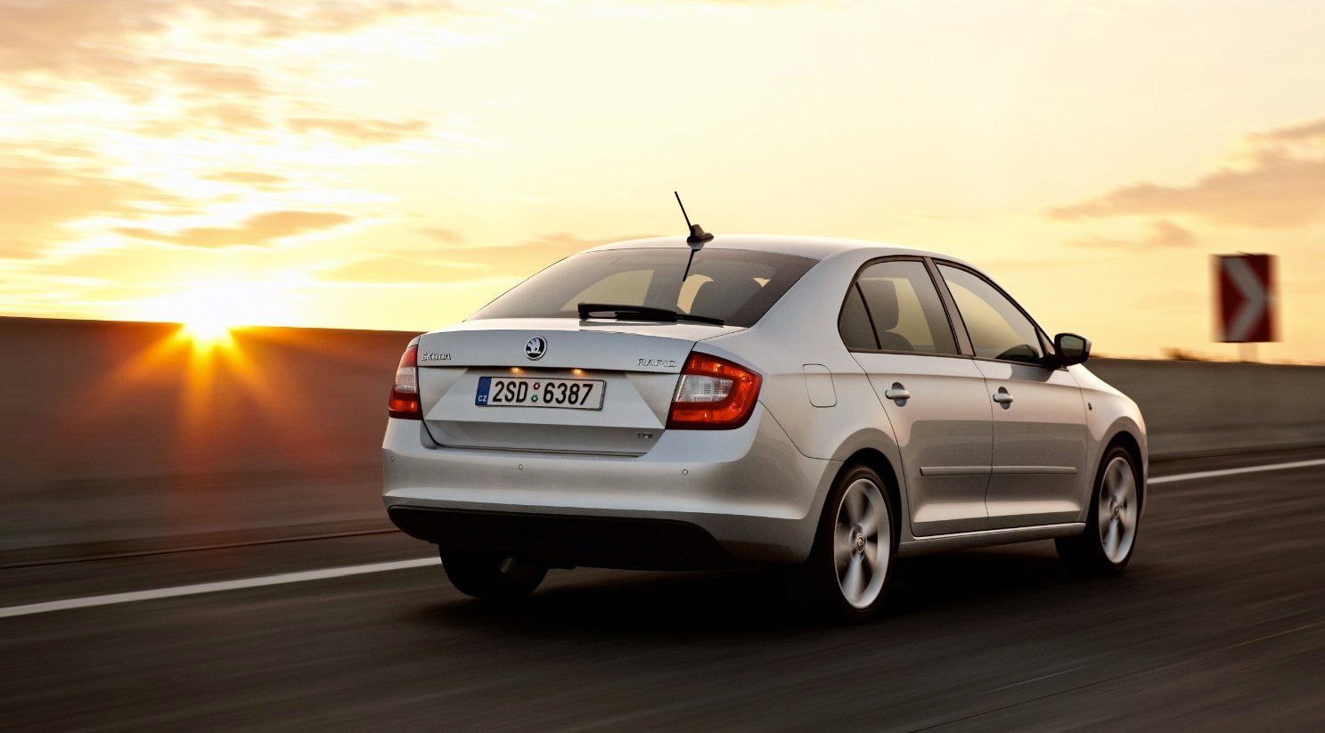 Skoda Rapid Onyx launched at Rs. 9.75 lakh - Team-BHP  |Rapid