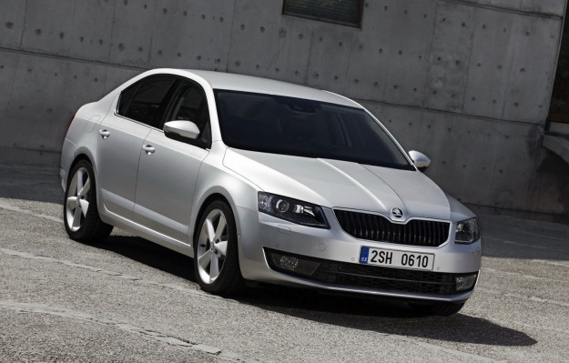 2013 skoda octavia official images and details photos for Garage skoda 92