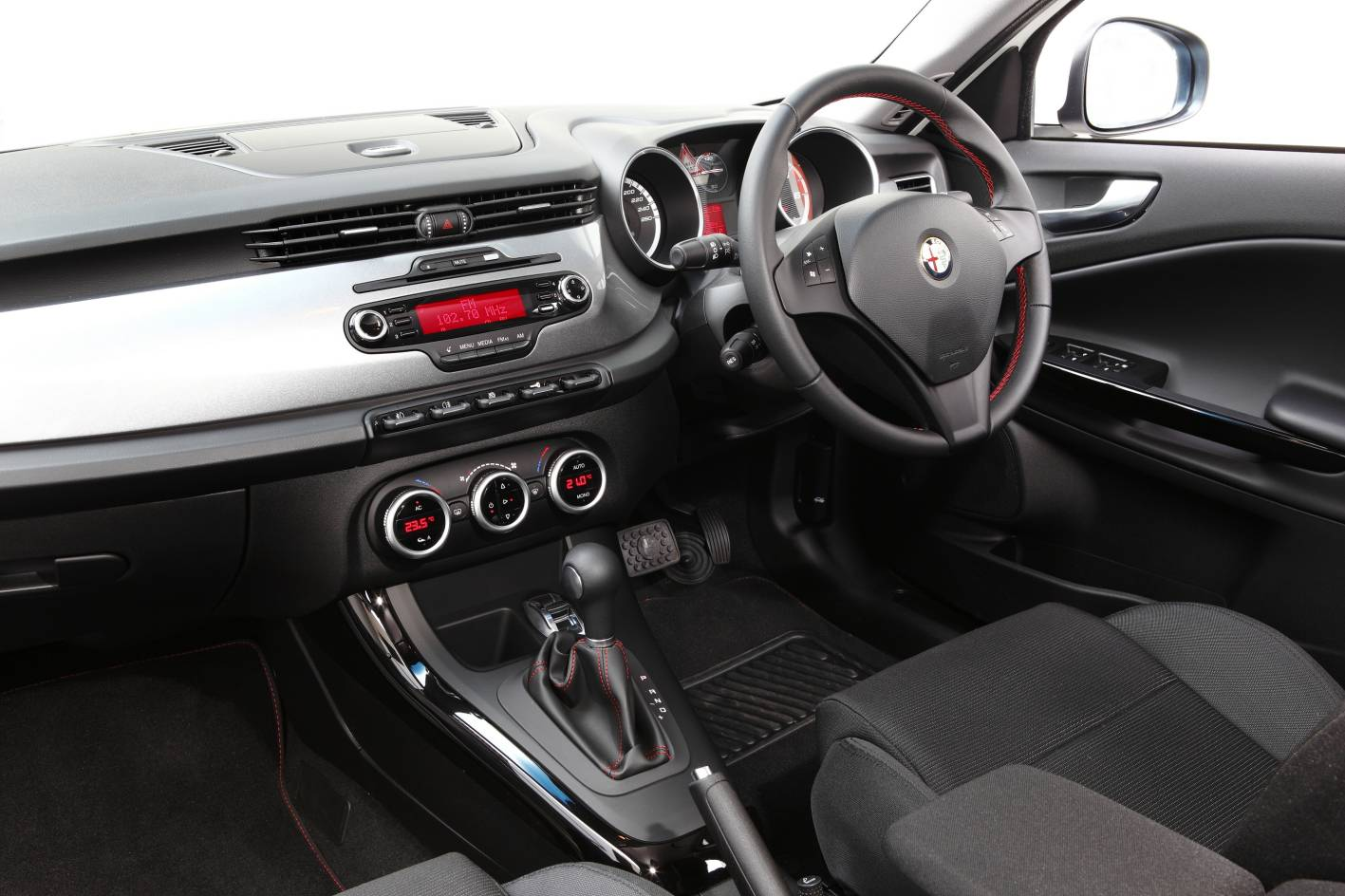 Alfa Romeo Giulietta Review Photos Caradvice
