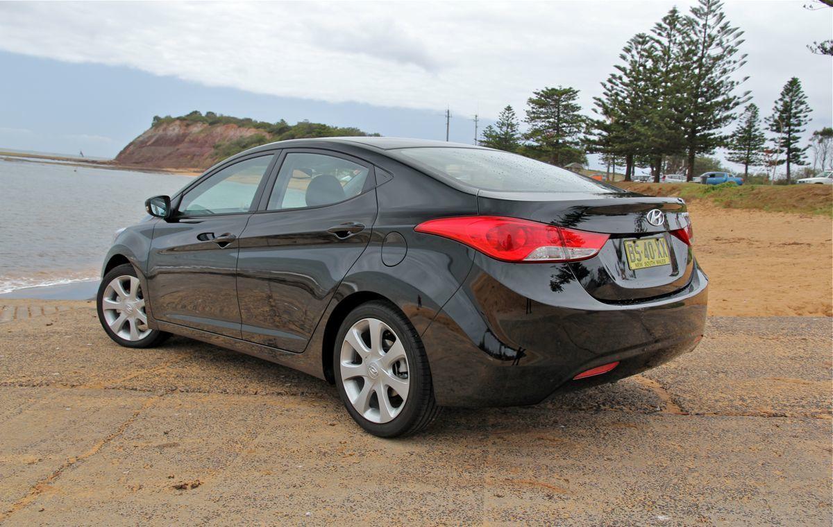 2013 Hyundai Elantra Review - photos | CarAdvice