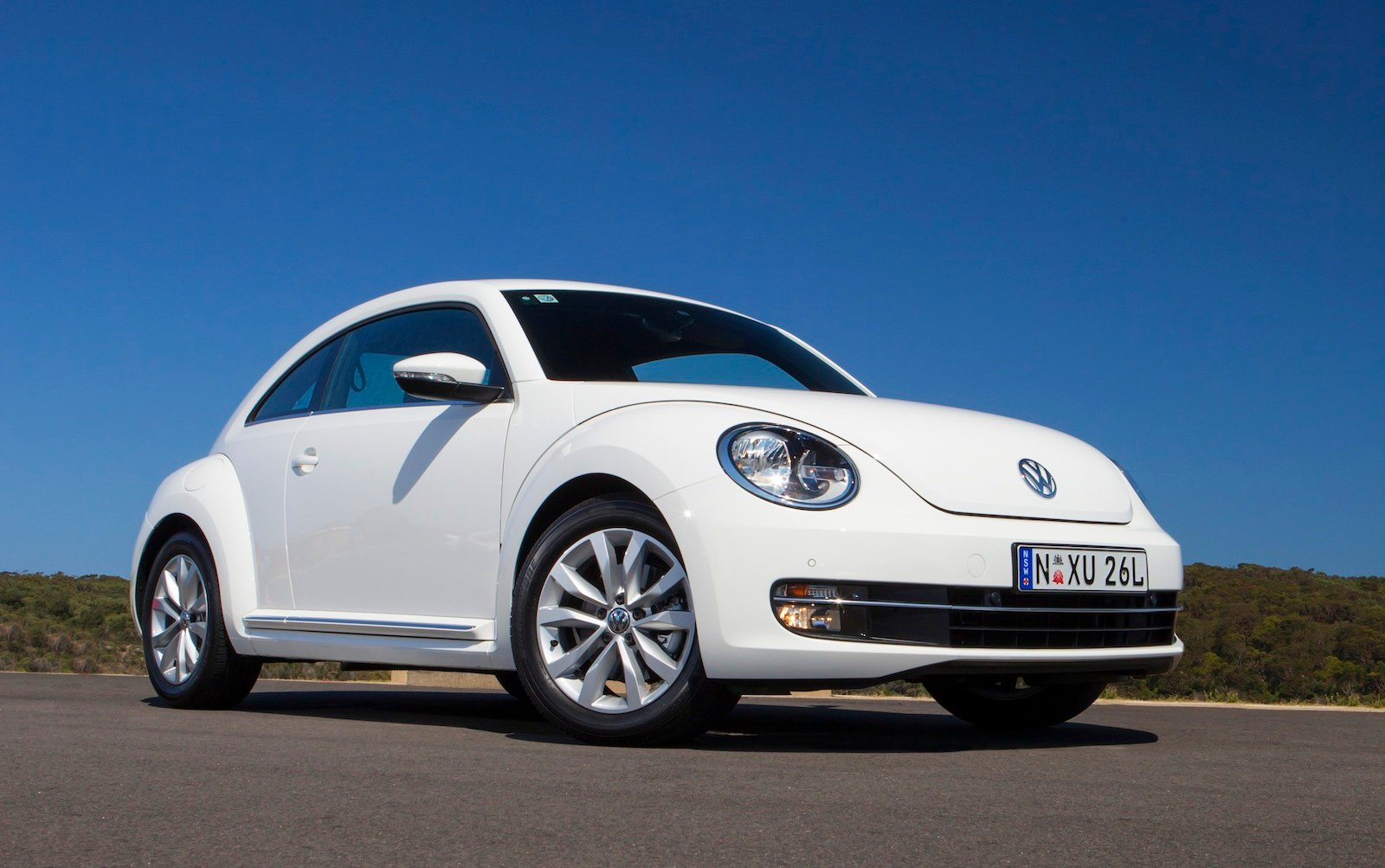 2013 volkswagen beetle pricing and specifications photos caradvice. Black Bedroom Furniture Sets. Home Design Ideas