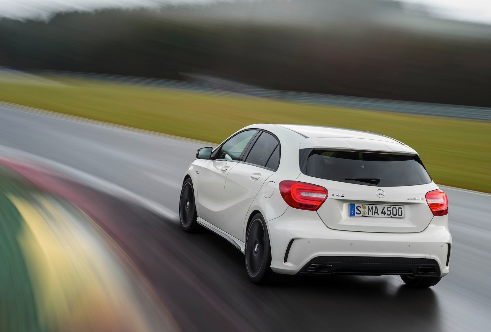 mercedes benz a45 amg 265kw hot hatch unleashed photos caradvice. Black Bedroom Furniture Sets. Home Design Ideas