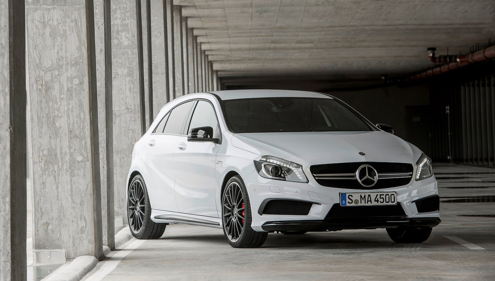 Mercedes Benz A45 Amg 265kw Hot Hatch Unleashed Photos