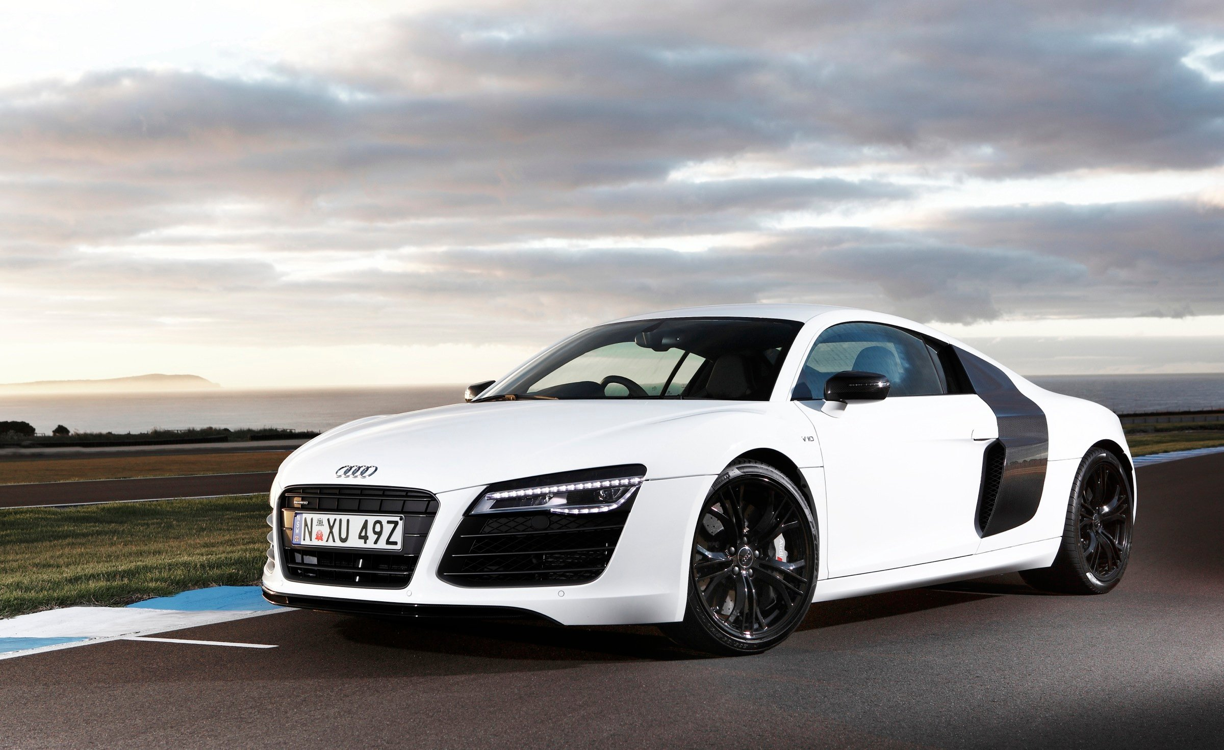 X Trail 2018 White >> Audi R8 Review - photos | CarAdvice