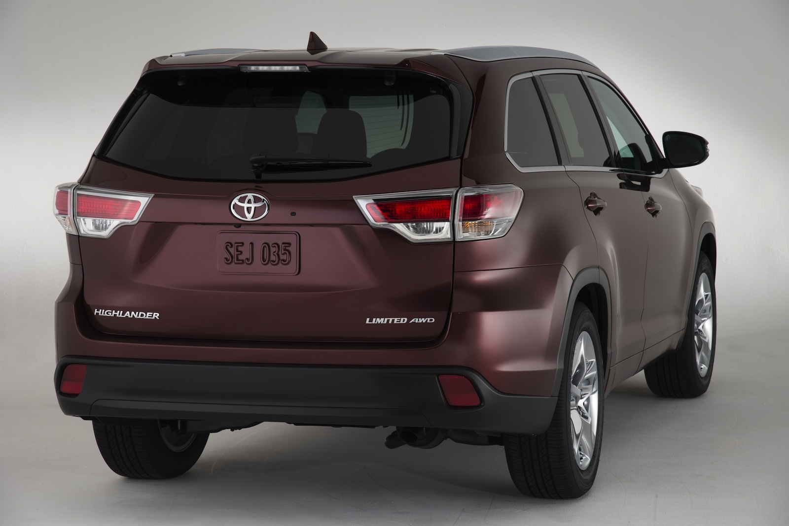 Toyota Kluger: all-new SUV now seats eight, but still ...