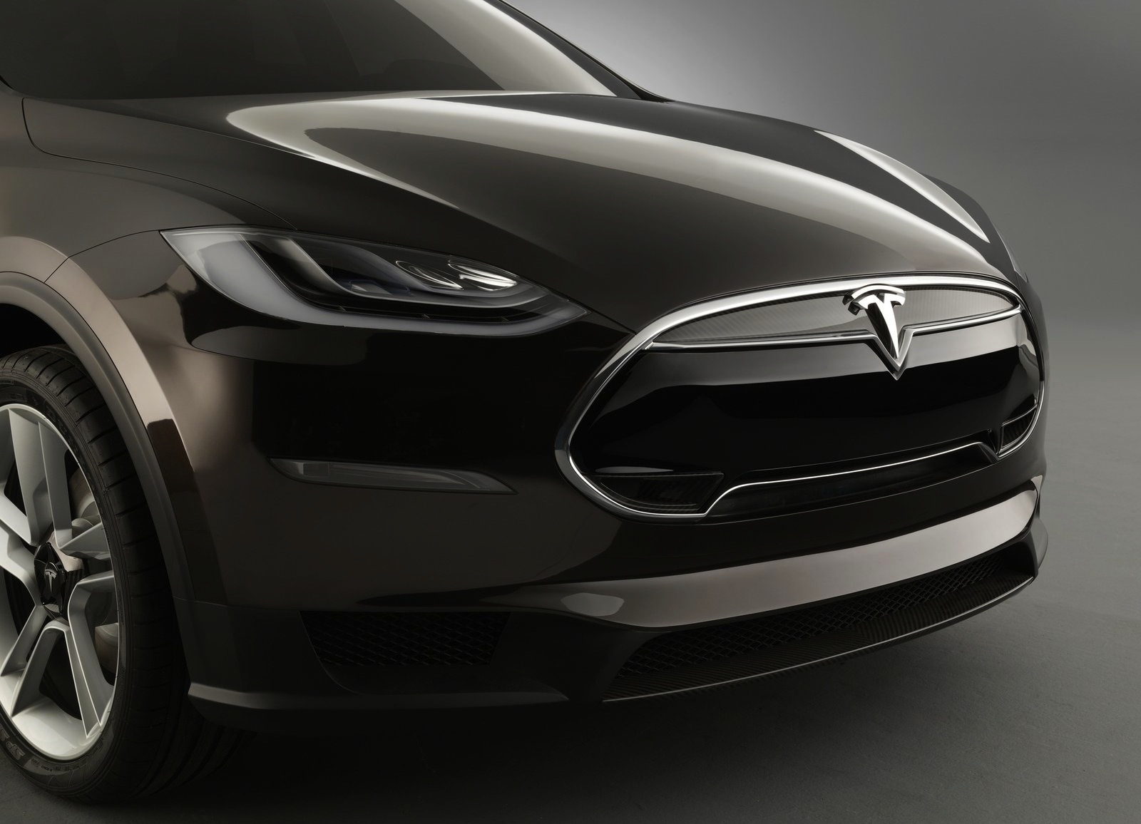 tesla model x suv pricing details revealed photos. Black Bedroom Furniture Sets. Home Design Ideas