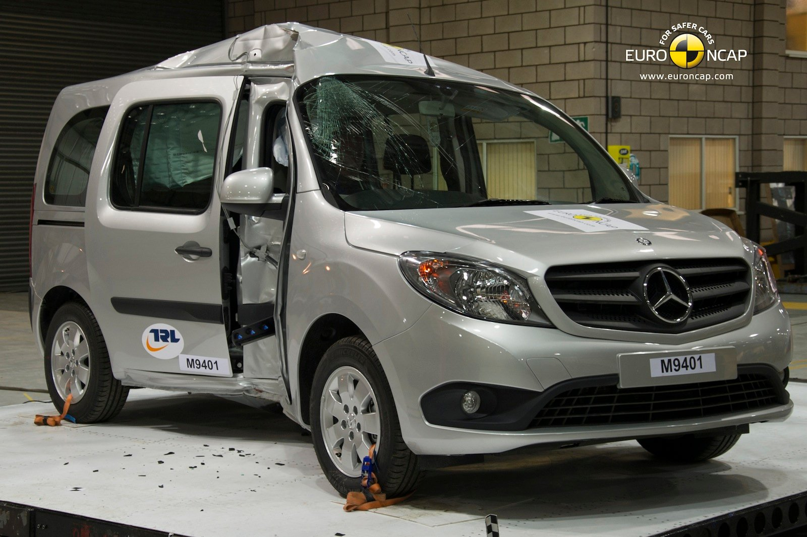 mercedes benz citan scores three stars in euro ncap crash test photos. Black Bedroom Furniture Sets. Home Design Ideas