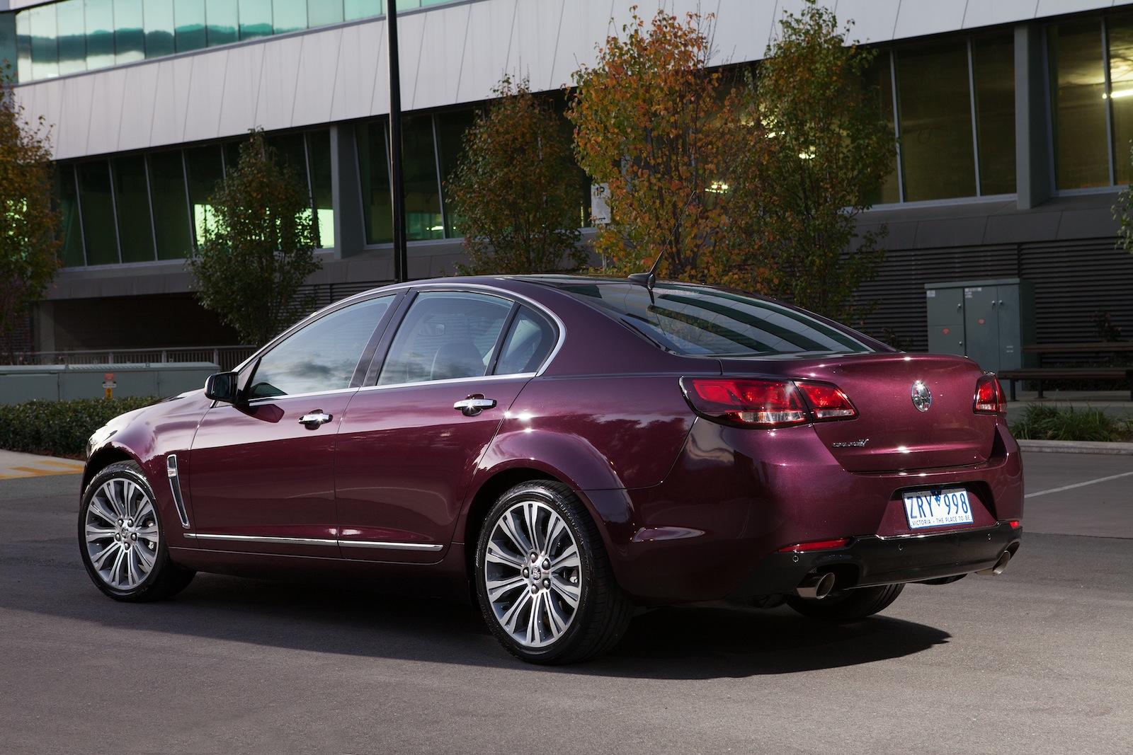 Compare Car Specs >> 2013 Holden VF Calais Review - photos | CarAdvice