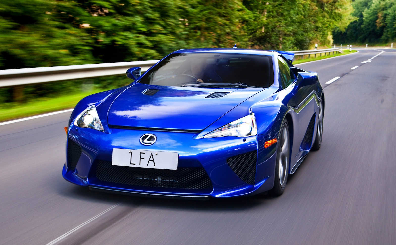 "Lexus LFA: ""We could have sold more"" but expertise lives ..."