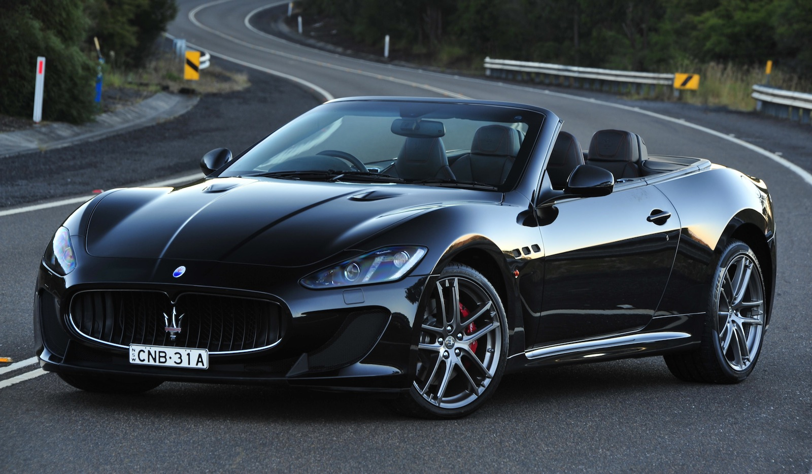 Maserati Grancabrio Mc 355k Sports Flagship Launched
