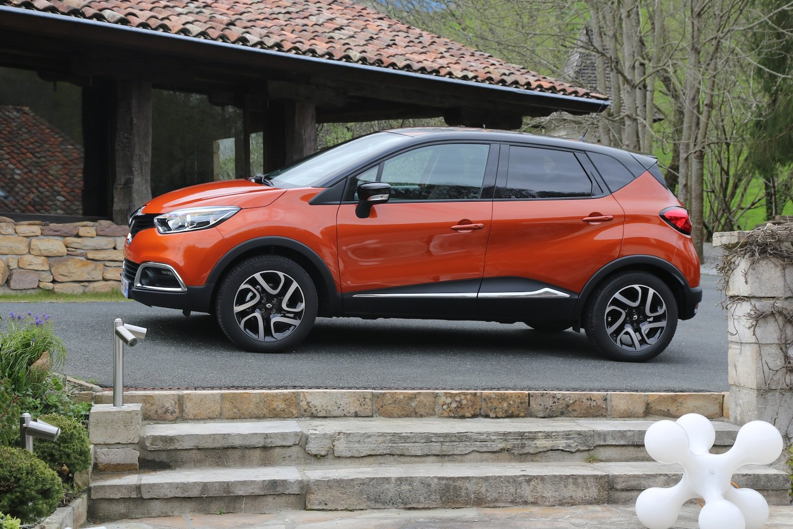 Renault Captur Review - photos | CarAdvice