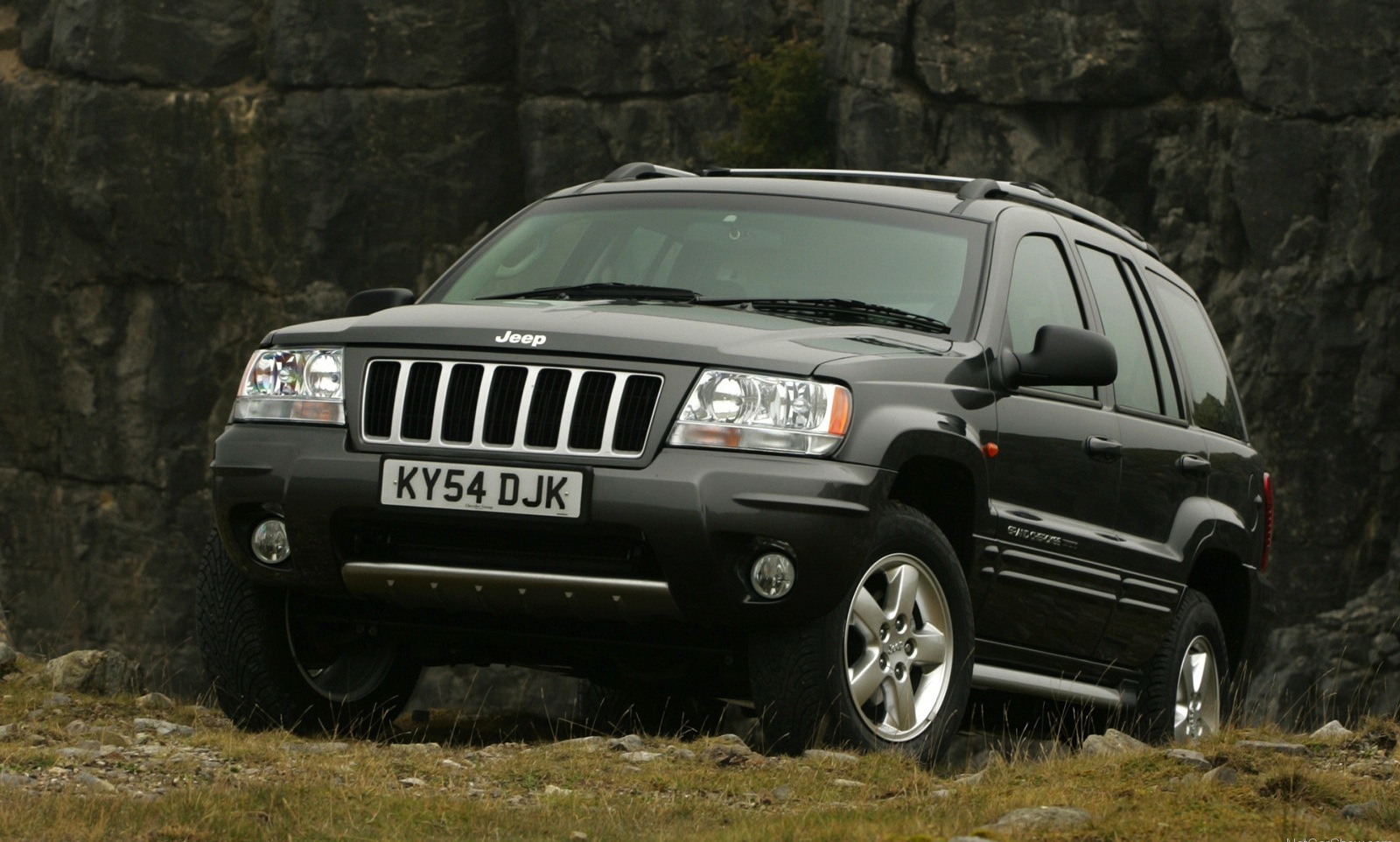Chrysler Defies Us Safety Recall Of 2 7 Million Jeeps