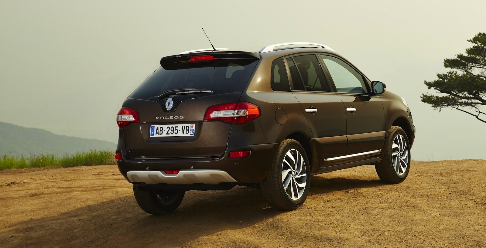 renault koleos facelift here in q4 photos caradvice. Black Bedroom Furniture Sets. Home Design Ideas