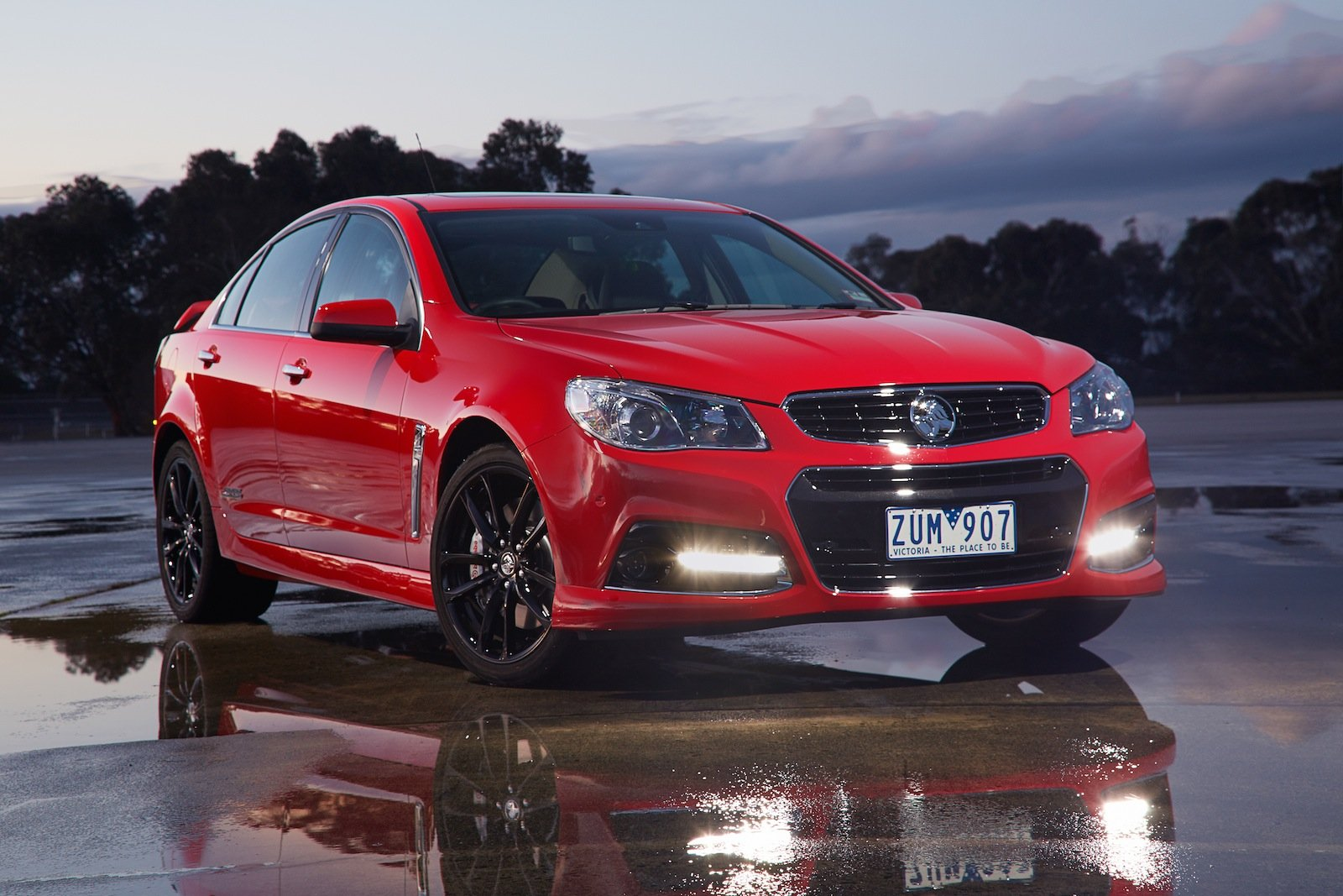 2013 Holden Commodore SS V Redline Review - photos | CarAdvice