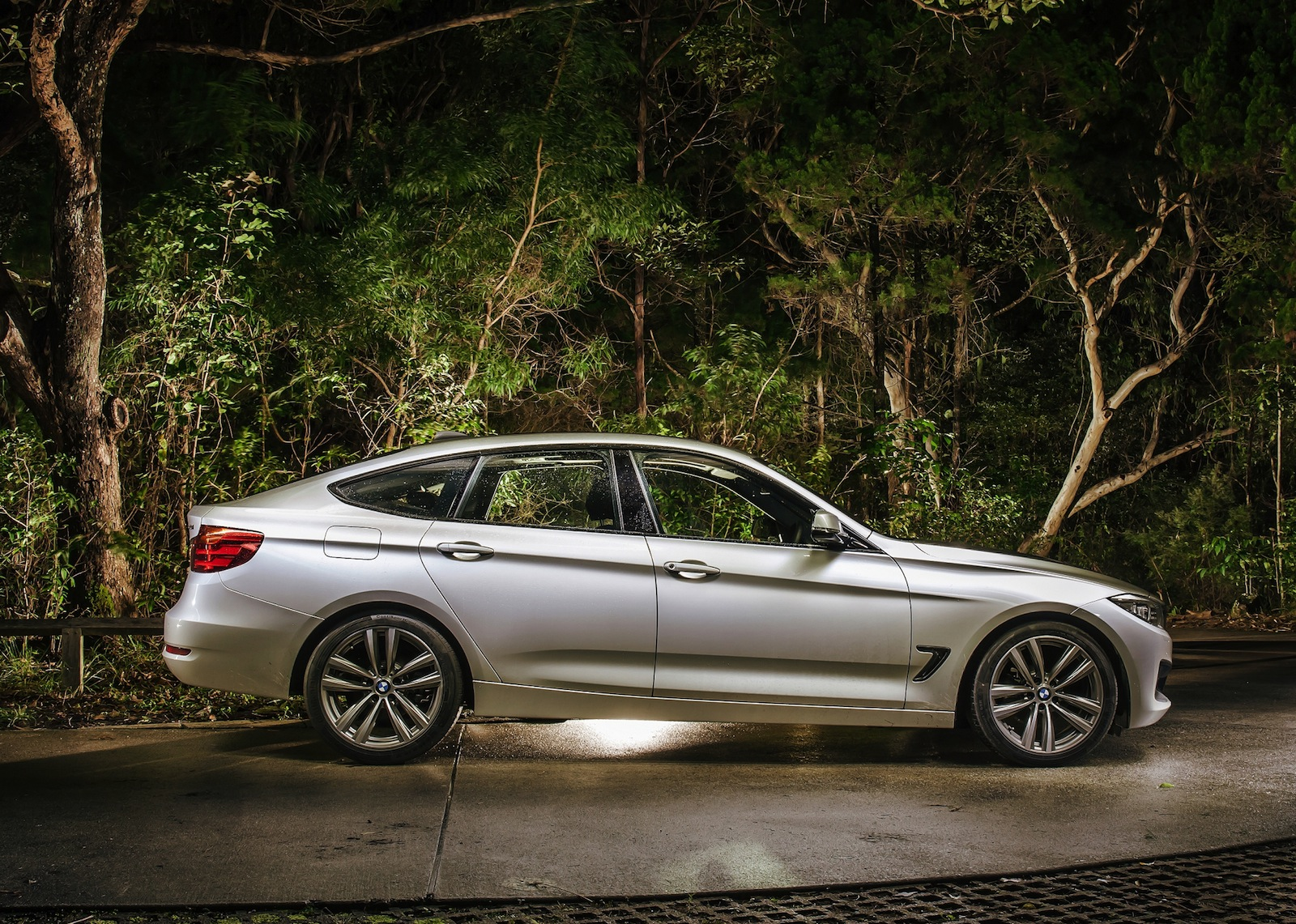 BMW Series Gran Turismo Pricing And Specifications Photos - Bmw 3 series gran turismo price
