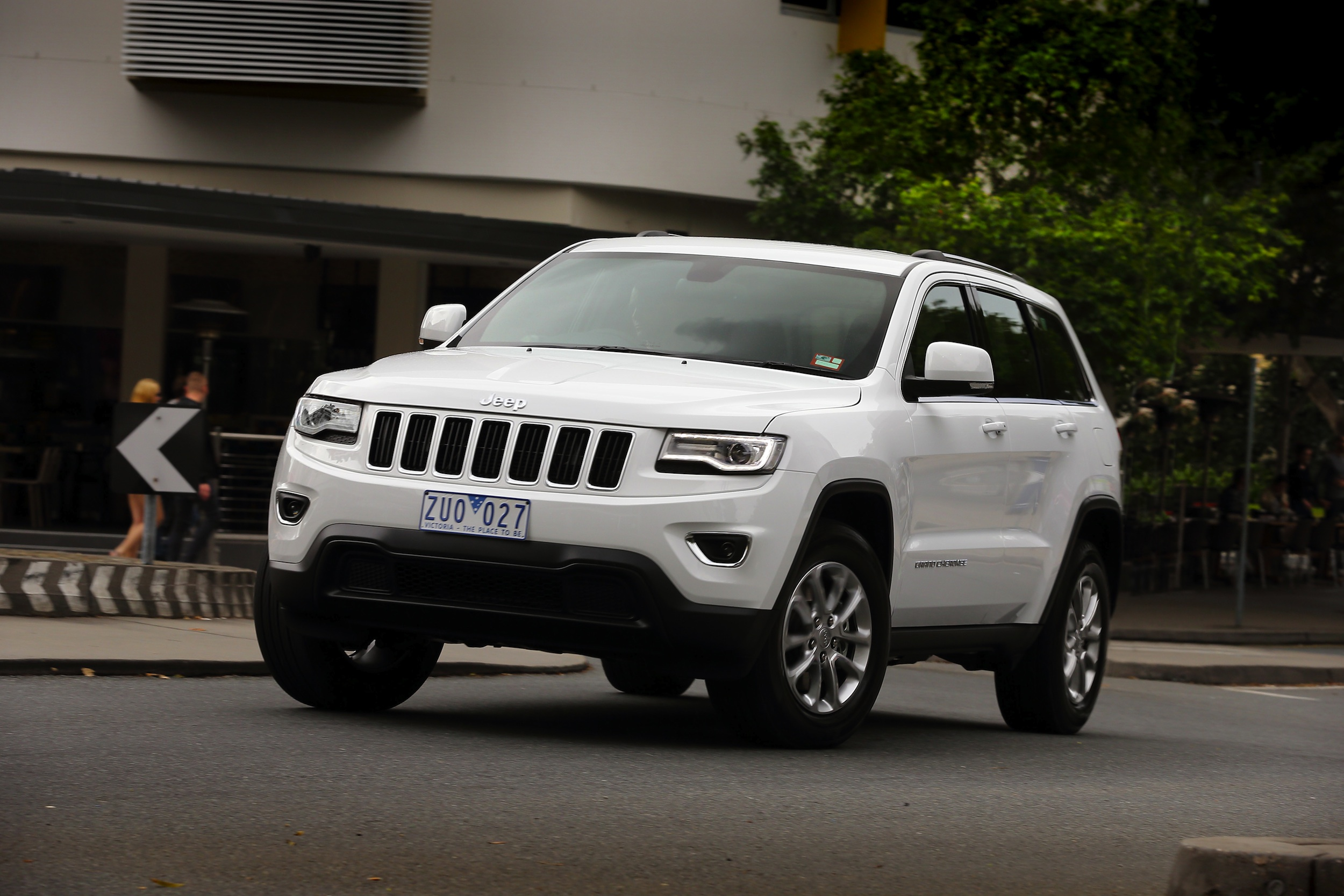 2013 Jeep Grand Cherokee Review - Photos