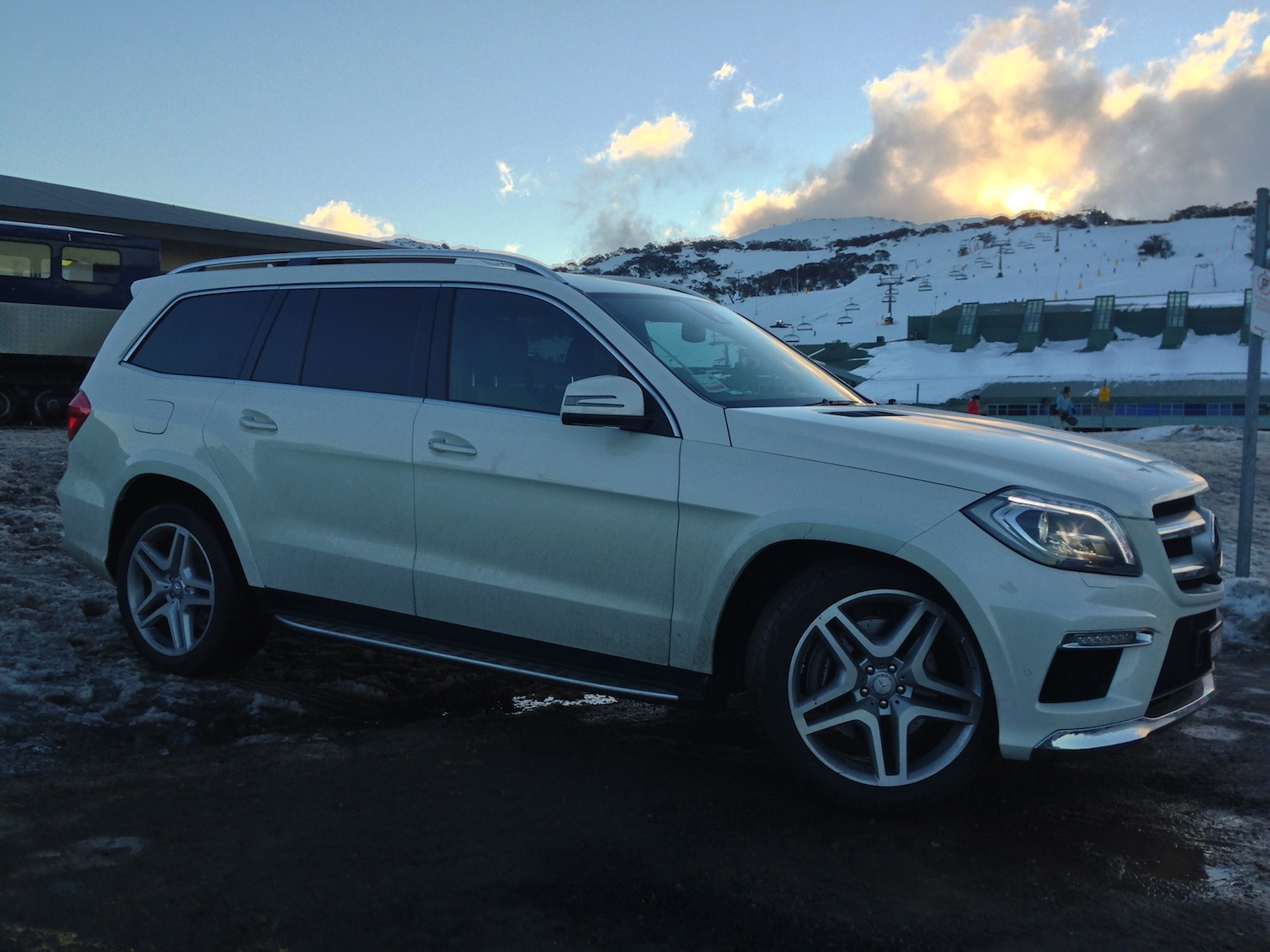 2013 mercedes benz gl review gl500 caradvice for Mercedes benz gl 2013 price
