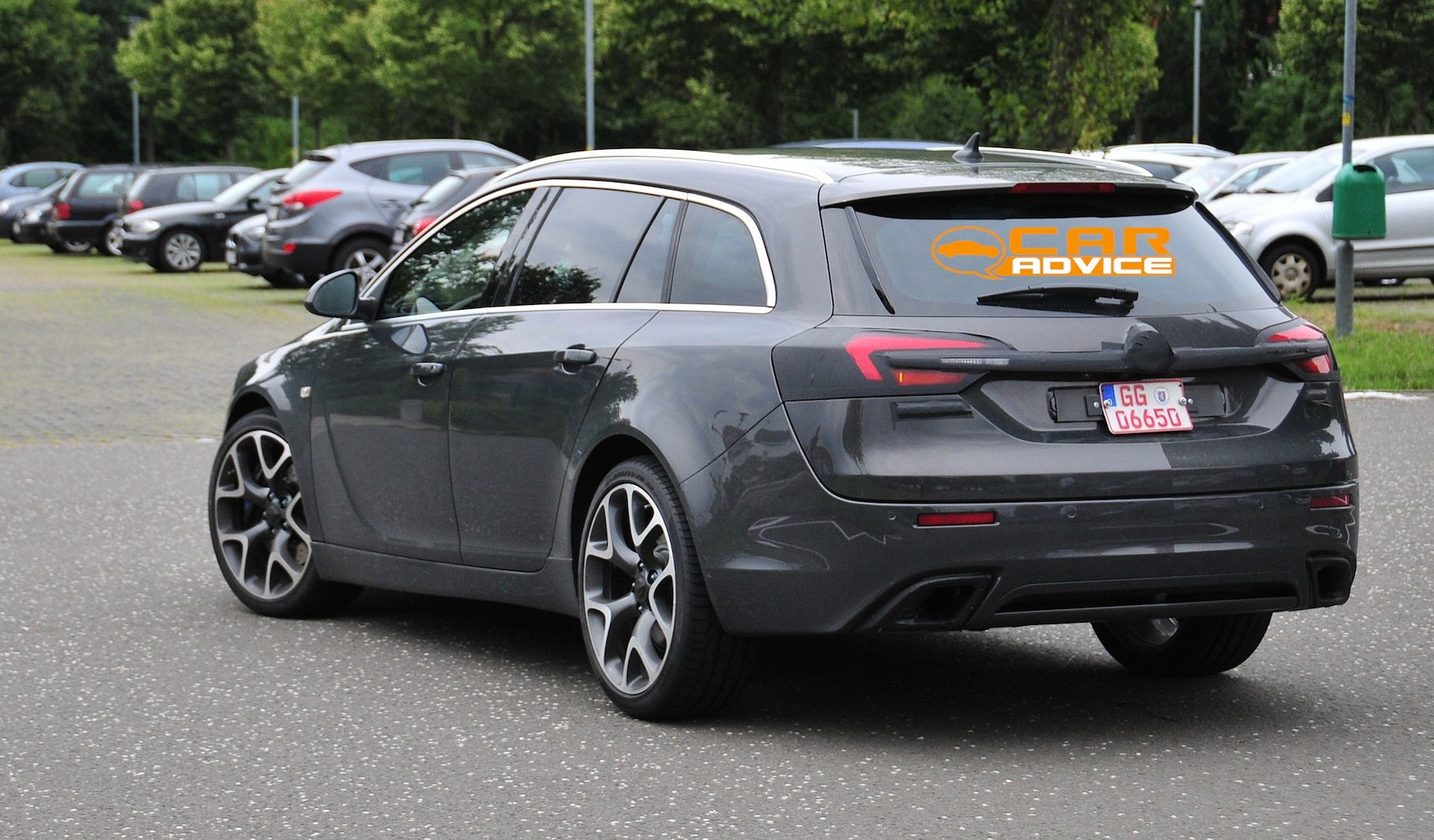 opel insignia opc wagon spied photos 1 of 6. Black Bedroom Furniture Sets. Home Design Ideas