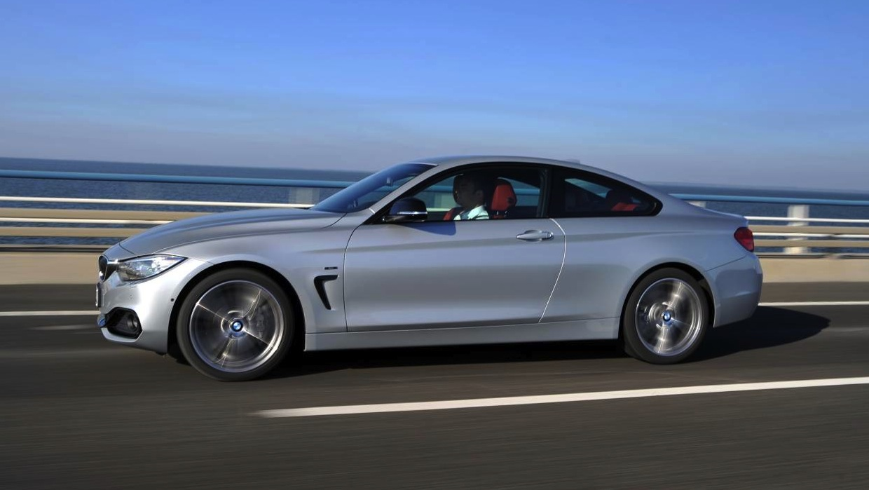 bmw 4 series coupe pricing and specifications photos caradvice. Black Bedroom Furniture Sets. Home Design Ideas