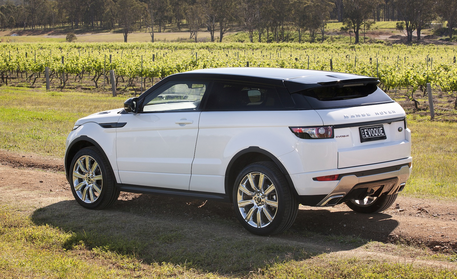jaguar land rover recall more than 5000 luxury cars in. Black Bedroom Furniture Sets. Home Design Ideas